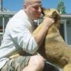 Figyeld, hogy reagál a kutya a háborúból két év után visszatérő gazdája láttán!