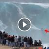 Szörfölés a világ legnagyobb hullámain – Még nézni is hátborzongató