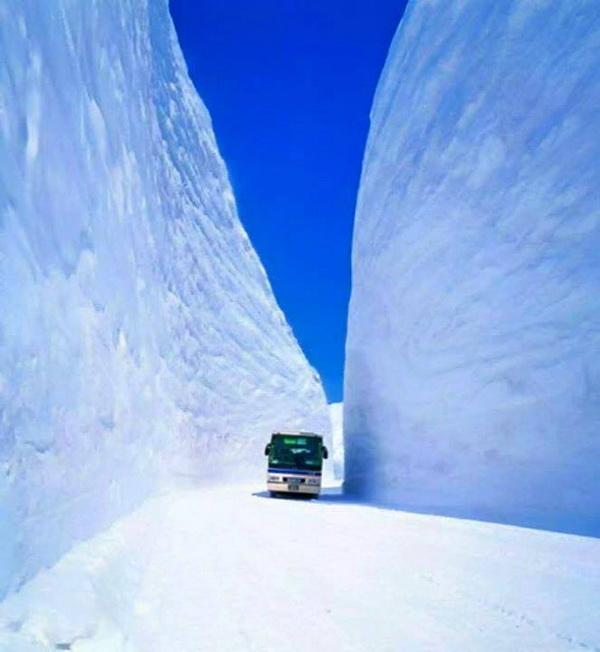 20 méteres hó Japánban3