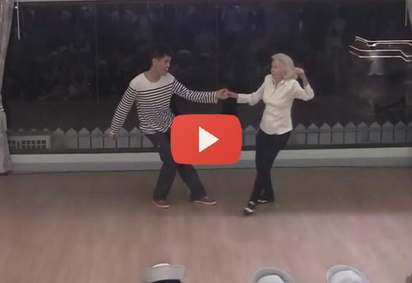 a-90-eves-nagymama-megdobbentette-a-vilagot-video
